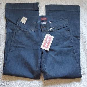 NWT Levi's 545 wide leg jeans size 10 low rise